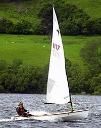 Phantom sailing dinghy