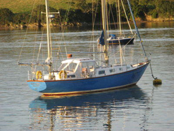Nicholson 38 Yacht